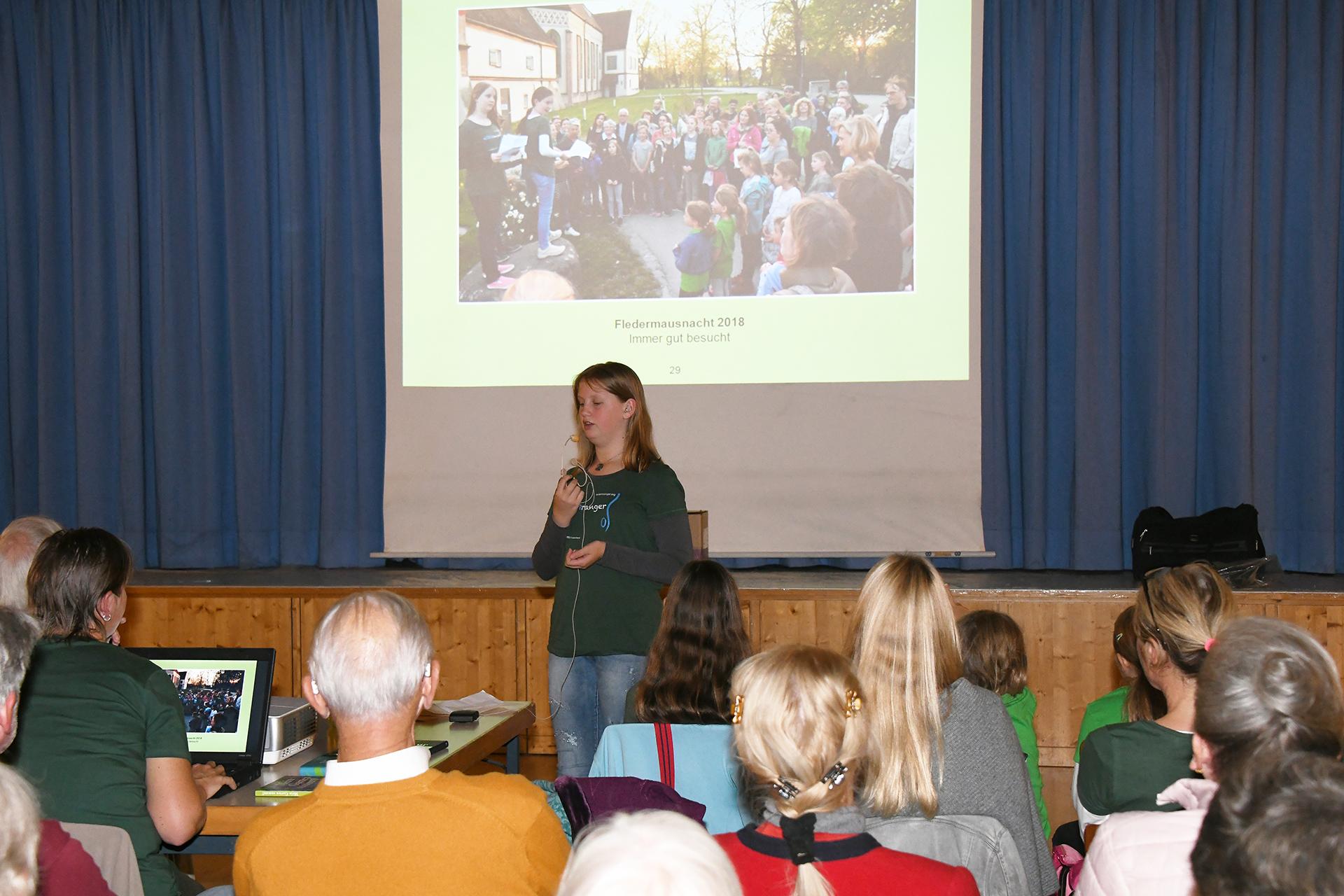 Viktoria: Begrüßung zur Fledermausnacht