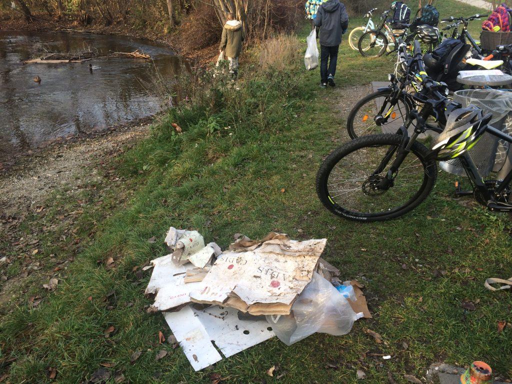 Müllsammeln des Luise Schröder Gymnasiums