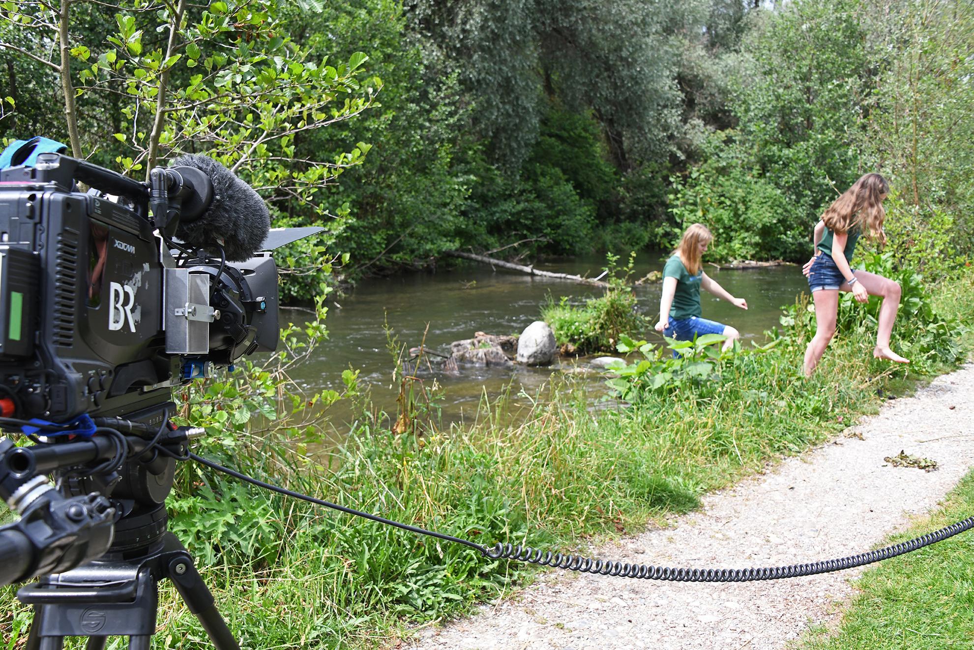 Das Bayerische Fernsehen interessiert sich anlässlich Jane Goodalls Vortrag in München für die Würmranger.