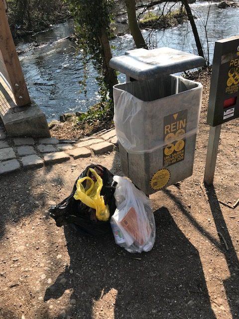 Wo ist die nächste freie Mülltonne?