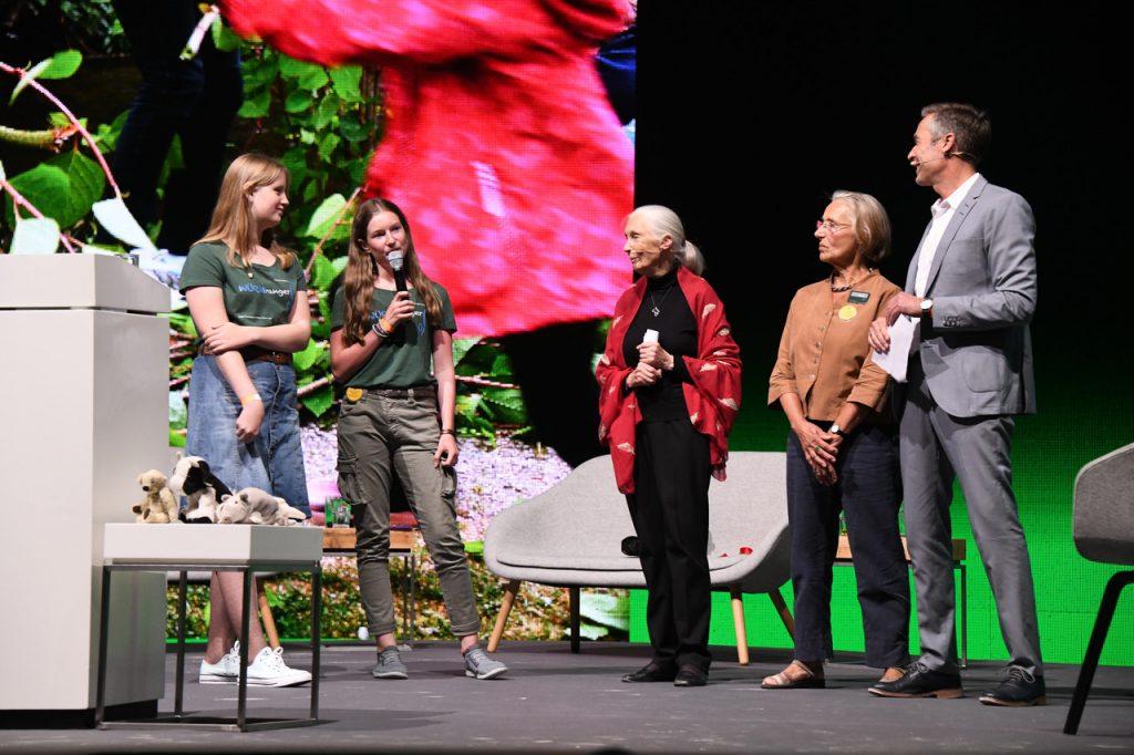 Jane Goddall im Showroom, München, 21. Juni 2019 mit Viktoria, Mara, Ursula Schleibner und Dirk Steffens (v.l.n.r.) ©Beatrice Vohler